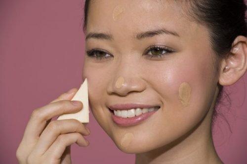 base liquida para piel con acne