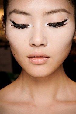 geisha moderna ojos