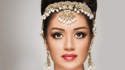 maquillaje hindu y tika