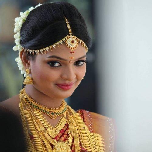 mujer hindu piel palida