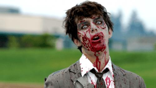 maquillaje zombie estudiante