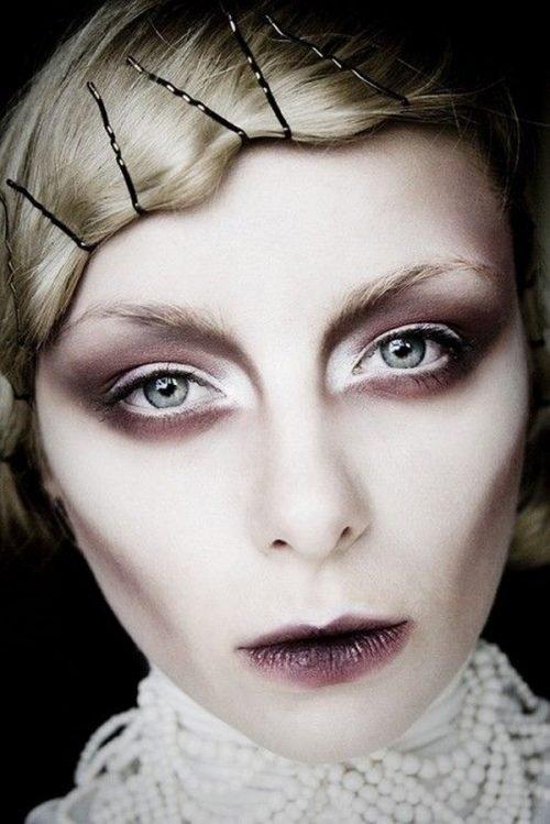 Maquillaje clásico vampiresa