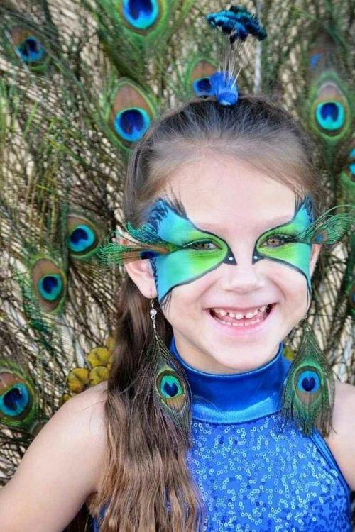 Maquillaje de pavo real niñas