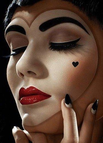 Maquillaje de mimo con forma de corazón