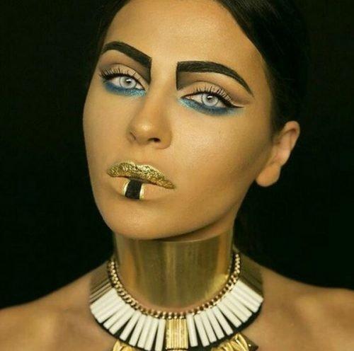 Maquillaje de Cleopatra  Estatua