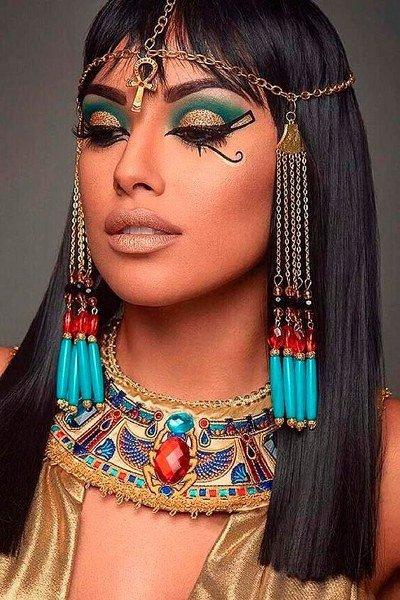 Maquillaje de Cleopatra Extravagante