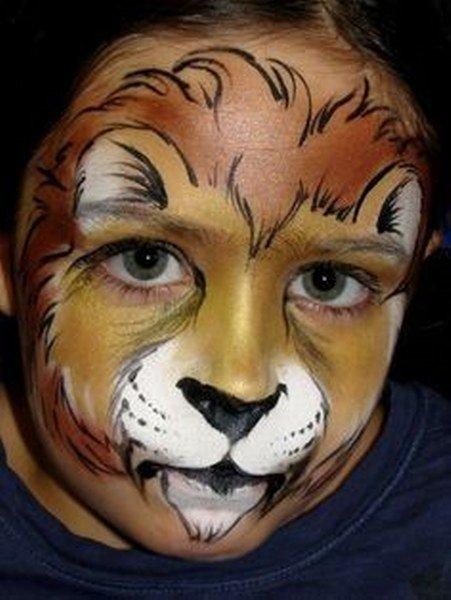 Maquillaje de león con melena