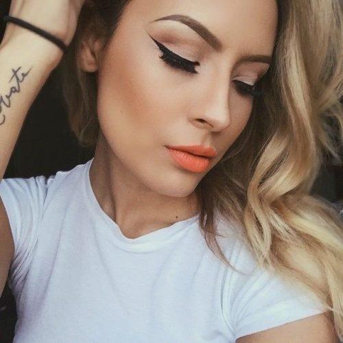 Maquillaje para RUBIAS labios naranjas