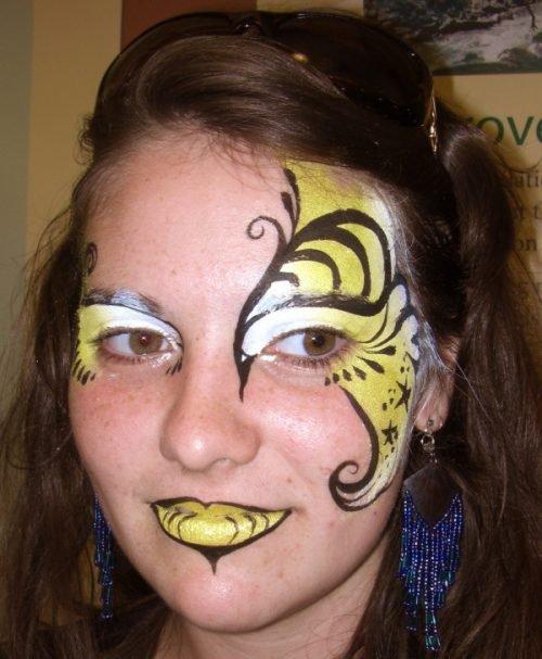 Maquillaje de abeja diferente