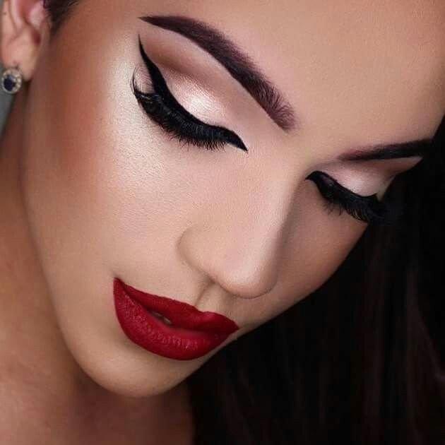 Maquillaje labios rojos 3