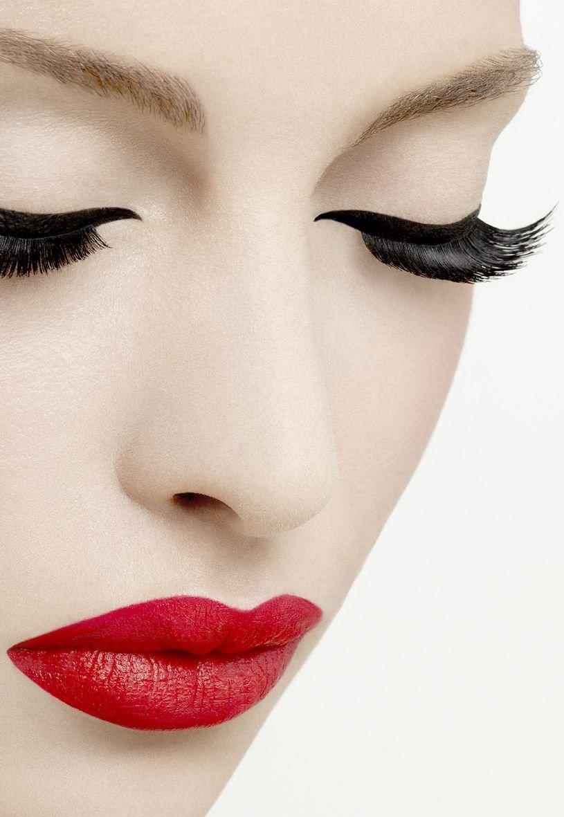 Maquillaje labios rojos 5