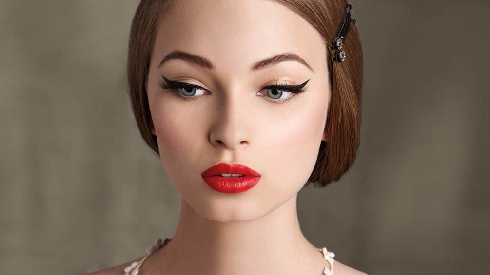 Maquillaje labios rojos 7